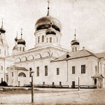 Соборные храмы- Живоносного Источника и Успенский.