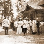 The Holy Tsar Nicholas and his family (visiting St. Seraphim's cell? [Дальней пустыньки]) - July 18th, 1903